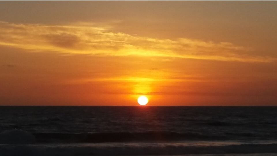 Things to do in Bali on a budget with kids-beach sunset-Batu Belig