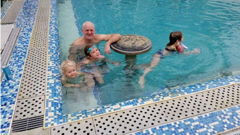 Serbia tourist attractions-Zdrelo Spa-Colin, Ayla, Romy and friend in pool